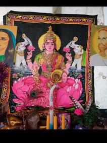 Decreto de la Diosa Lakshmi, de la Abundancia y Deidad de la Fiesta Diwali en India.